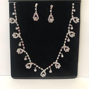 💕🆕 New Rhinestone Necklace & Earrings Set